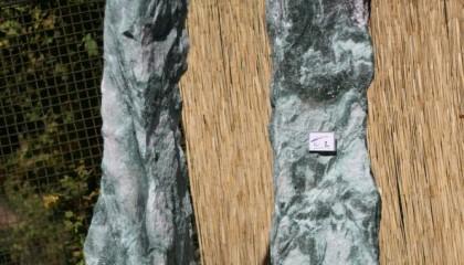 Findling – Artic grün Obelisk
