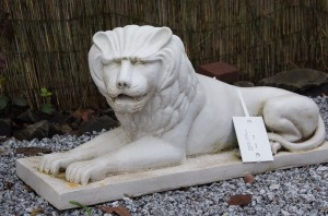 Figur - Löwe liegend