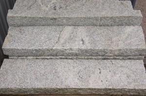 Randstein-Granit-grau-100x25x7cm