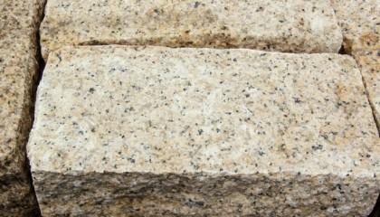 Mauersteine – Granit gelb