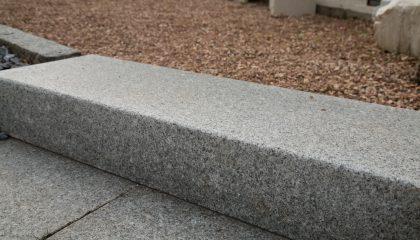 Blockstufen – Granit grau