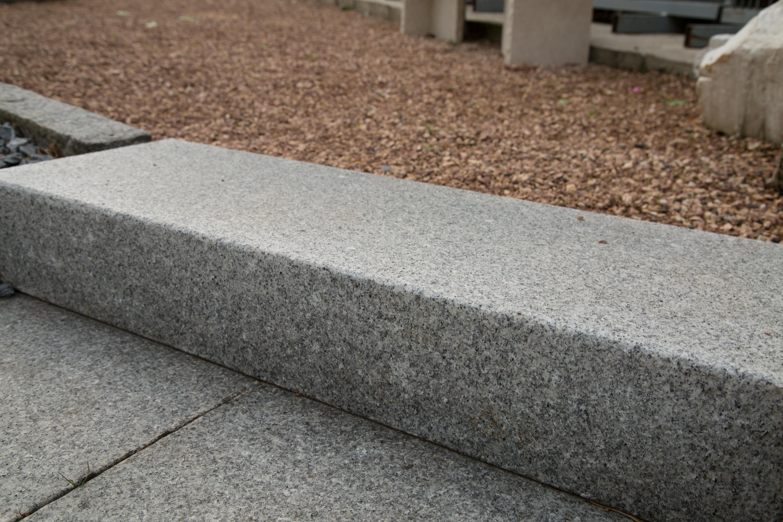 blockstufen - granit grau - kst baustoffe transporte