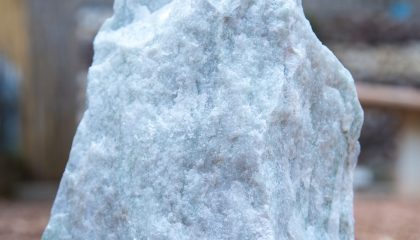 Gestaltungsstein – Eisblau Miniobelisk 20-40cm