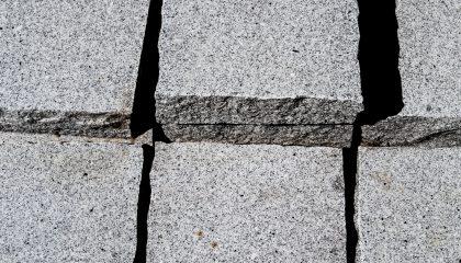 Mauerstein – Granit Ober- und Unterseite geschliffen