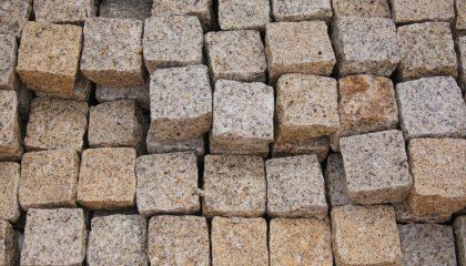 Pflastersteine – Granit gelb 10x10x8cm