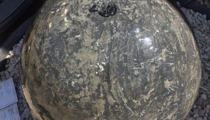 Quellstein – Montal Kugel