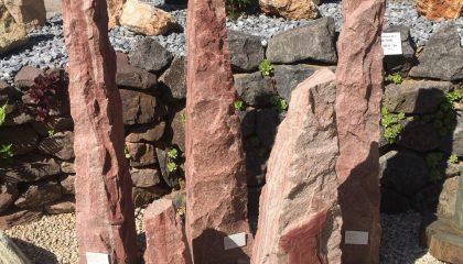 Findling – Obelisk Sandi