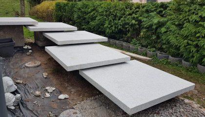 Schwebende Treppe Granit grau Europa