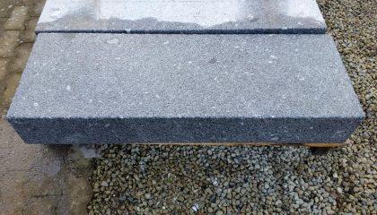 Blockstufen Granit grau-blau Europa